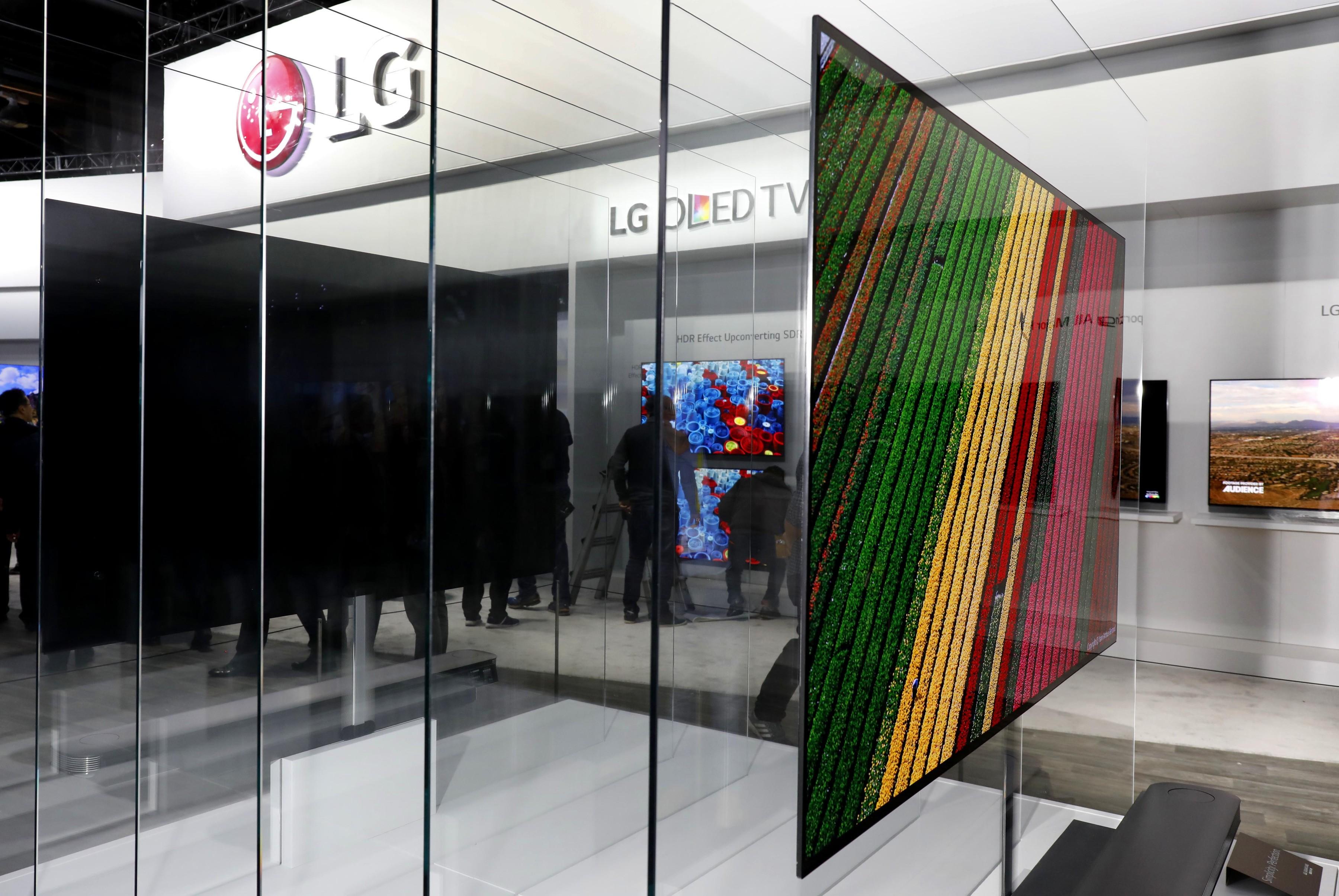 Tv Battle Looms As Lg Starts Spruiking Wafer Thin Wall Tv
