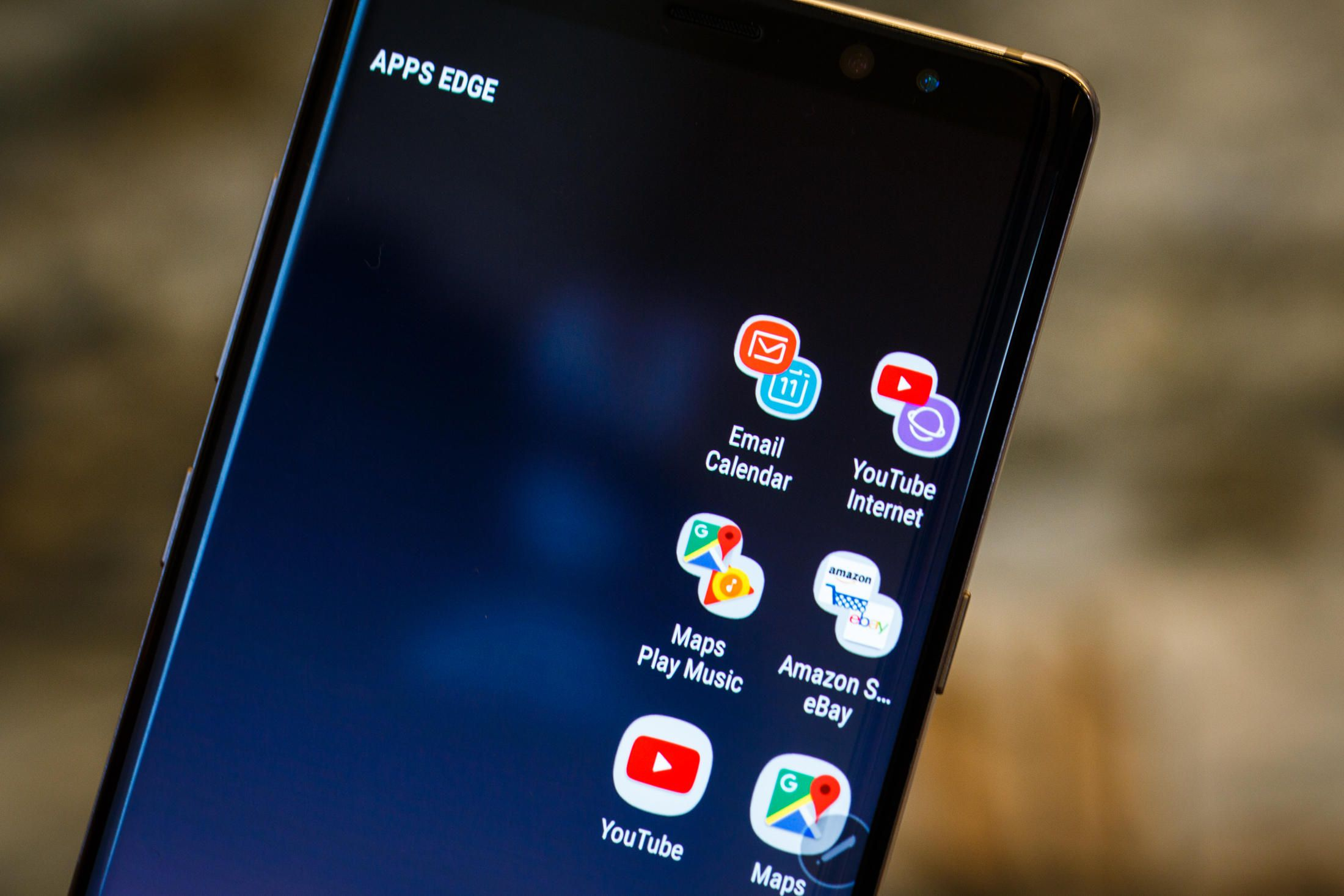 galaxy note 8 s facial unlock fooled by a photo channelnews. Black Bedroom Furniture Sets. Home Design Ideas