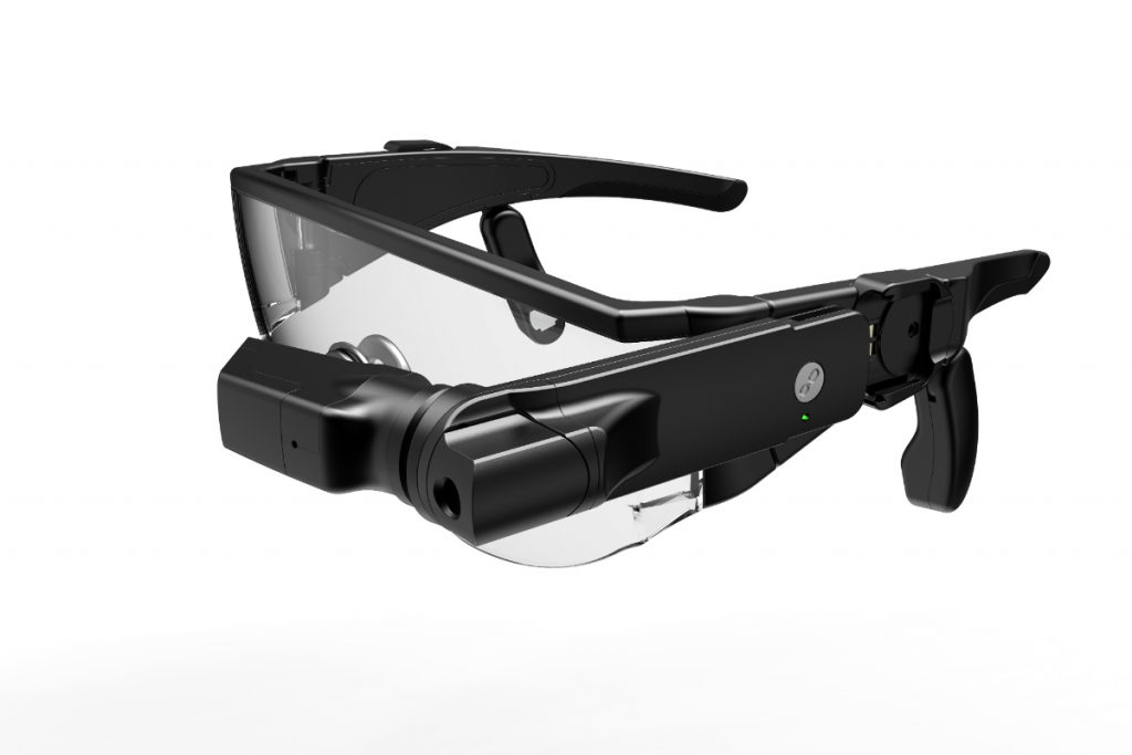 C220A 1024x683 CES 2018: Lenovo Debuts VR Headset and AR Glasses