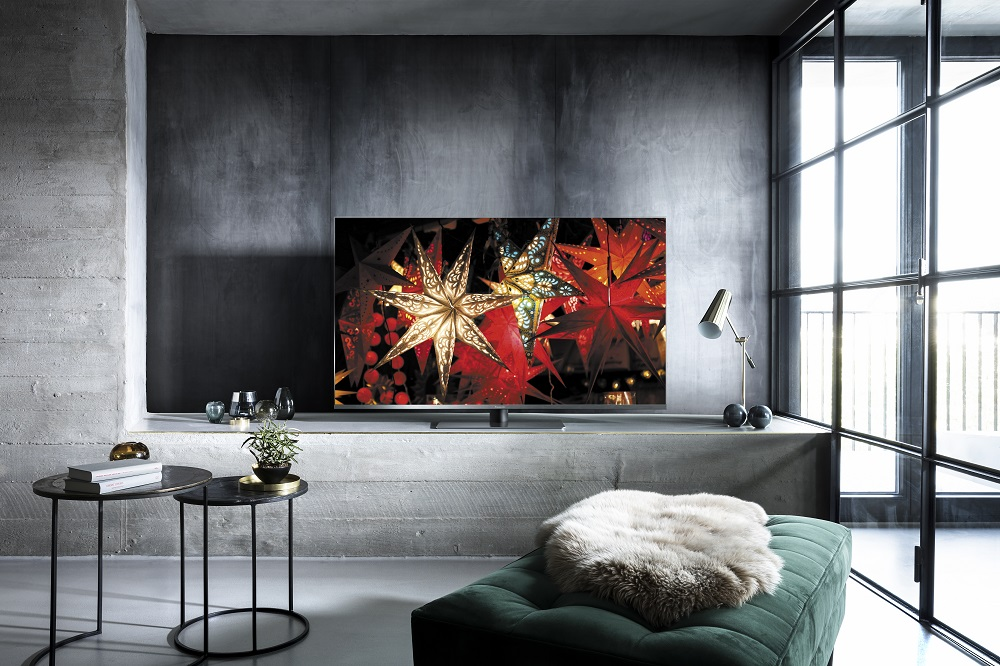 "TH 55FX800A Room Image Panasonic Unveils New 2018 ""Pro sumer"" OLED TVs"