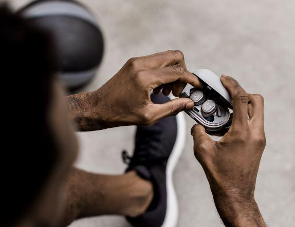 jaybird run xt Jaybird Unveil New RUN XT Waterproof Earbuds
