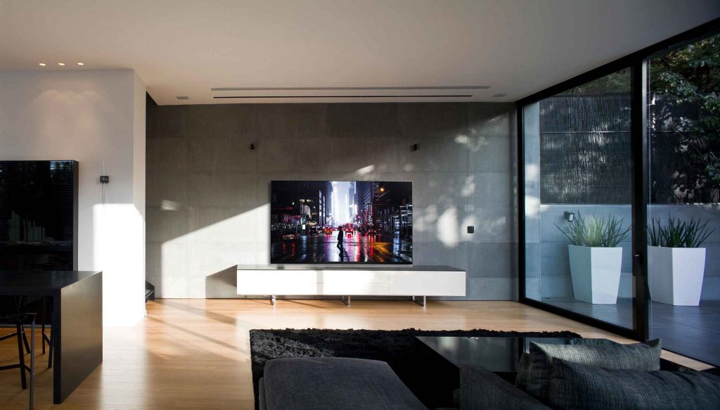 2 E9 LR LG Wows With New 2019 OLED, NanoCell & Laser TV Range