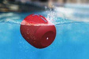 """ultimate ears wonderboom 2 red water 700x467 c 300x200 Ultimate Ears Unveil 13 Hour """"Wonderboom 2"""""""