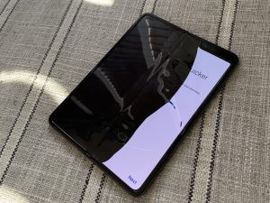 """Galaxy Fold screen issue 300x225 Galaxy Fold """"Released Before It Was Ready"""" Says Samsung CEO"""
