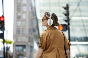 MOMENTUM Wireless Sandy White Application 300x200 IFA 2019: Sennheiser Unveil New Momentum, PXC Headphones