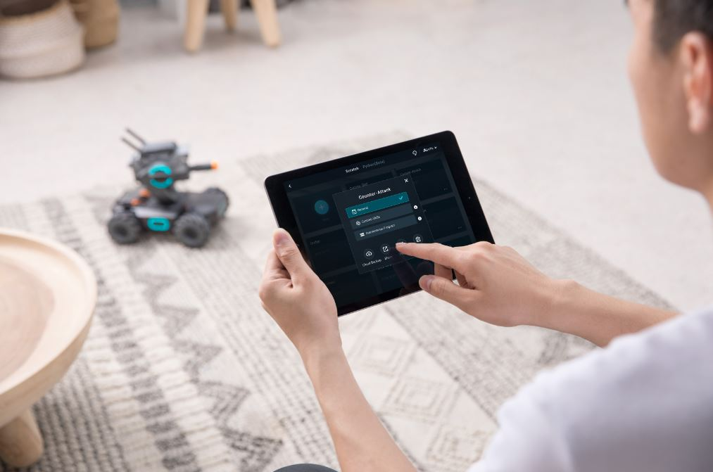 Study 2 DJI's First Ground Based Bot Rolls Out In Oz
