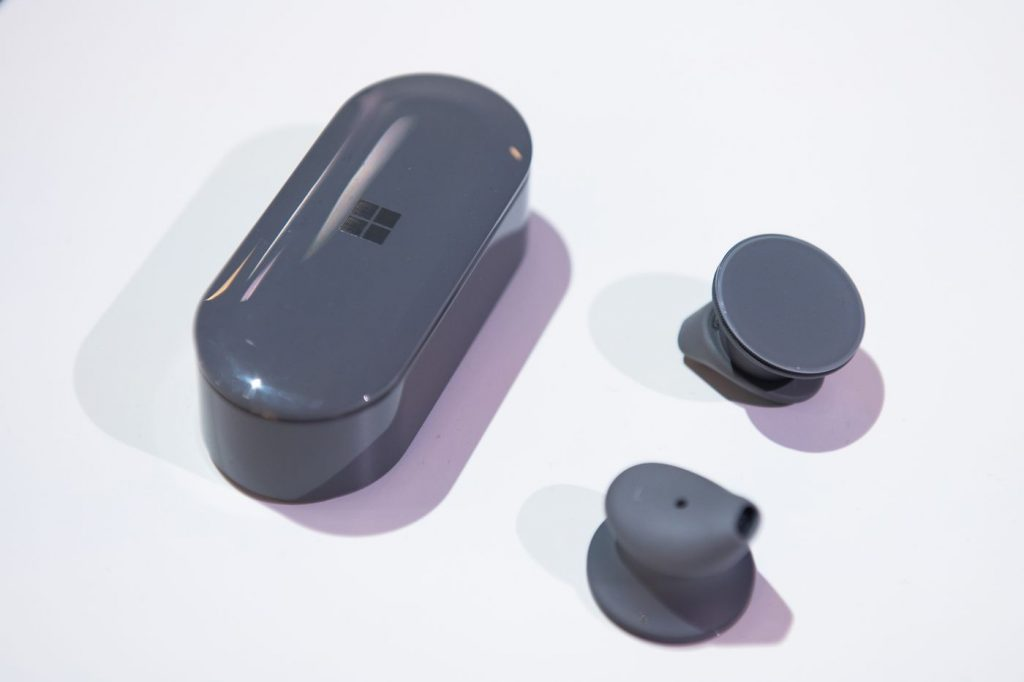 Microsoft Delays Surface Earbuds to Spring 2020