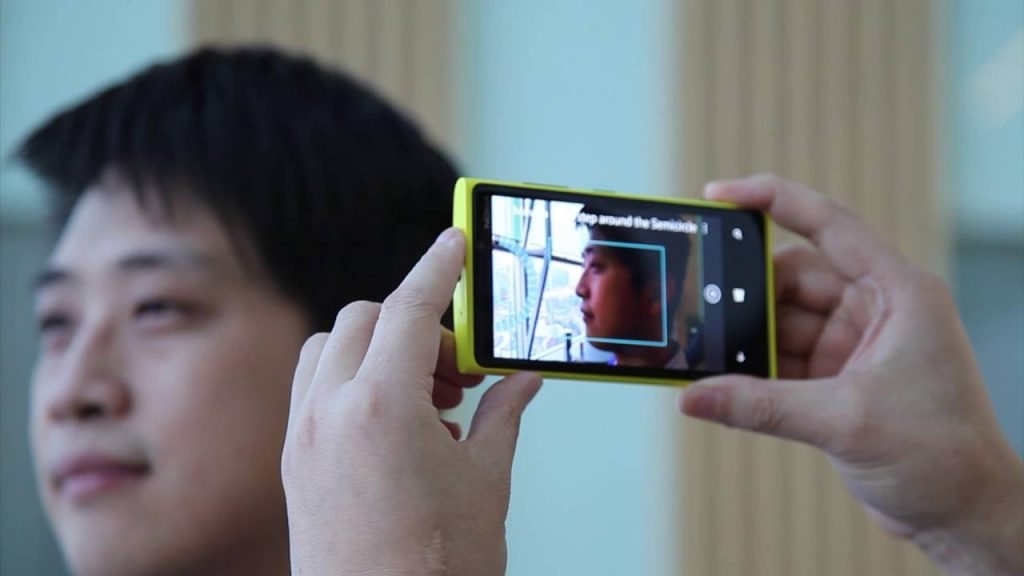 New Mobile Phone Owners Set To Have Face Scanned By Retailers